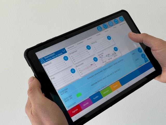 Neue Tablets für alle Mitarbeitenden